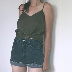 Vintage high waisted mom jean shorts distressed